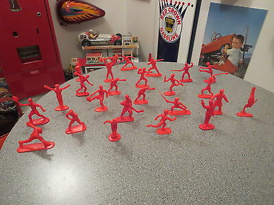 Lot Of Olympic Plastic  1976 Olympic Athletes ,sports Figures