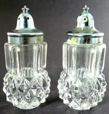 Set Of 2 Vintage Clear Crystal Glass Salt & Pepper Shakers (A22)