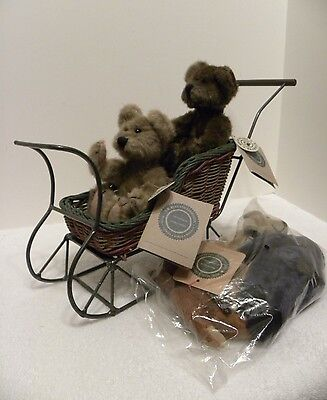 Bailey's Boyds Bears Wicker Sleigh with 2 bears and set of 3 Bears Sealed