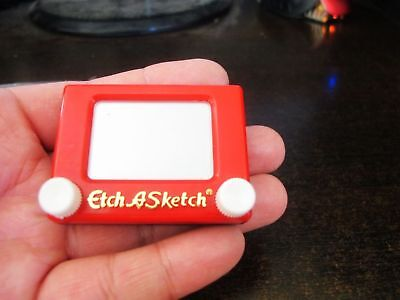1pcs Mini classic etch a sketch magic screen drawing toy 6*8cm portable drawi...