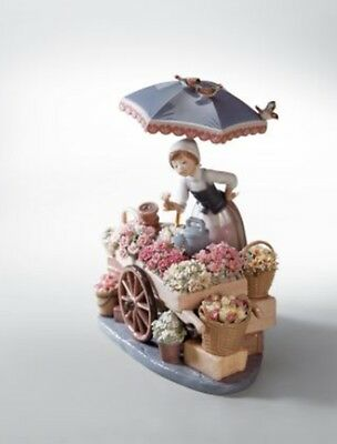 LLADRO FLOWERS OF THE SEASON  NEW IN BOX       01001454  Free Shipping