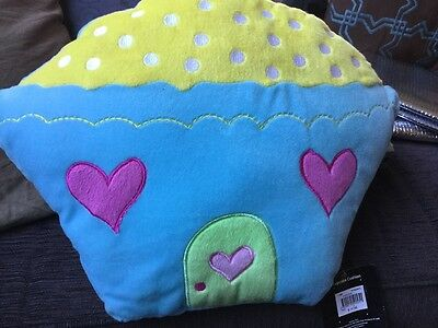 KIDS CUPCAKE CUSHION Near new UNWANTED GIFT