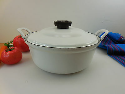 Vtg Cousances Cast Iron White #22 Dutch Oven Pot - Non-original Enamelware Lid