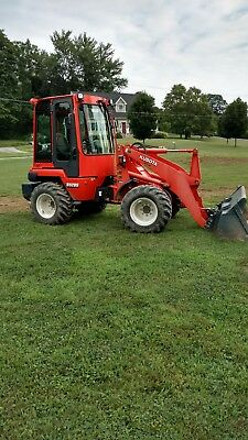 2015 kubota Wheel Loader r520s / front end loader closed cab very nice!