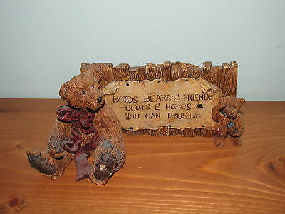 Boyds Bears Grenville & Neville The Sign from The Bearstone Collection (A)