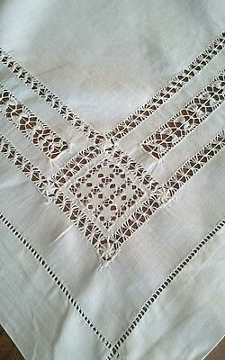 Vintage Pure Linen Drawnthread and Needle Lace Suppercloth