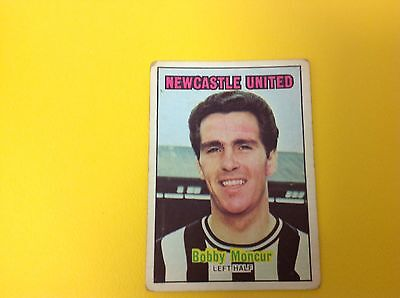 A&bc 1970/71 Orange Back Football Card #81 Bobby Moncur, Newcastle United.
