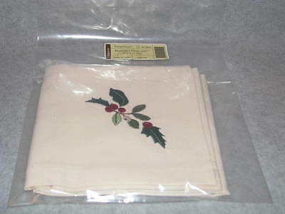 Pair 2 Longaberger Napkins Nature's Garland Napkin Set Christmas Fabric Napkins