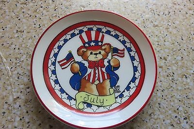 "1985 Lucy & Me Enesco JULY Uncle Sam Teddy Bear Mini Plate 4"" NEW with Tag"