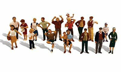 16 people - HO Model Train Layout -Fully painted & assembled -Woodland A1958