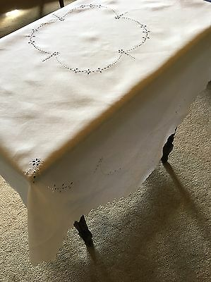 Vintage Cutwork 120cm Square Cotton White Embroidery And Cutwork Tablecloth