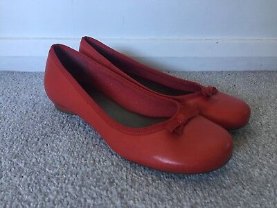 f405cc0a03 CLARKS LADIES RED Leather Ballerina Ballet Flat Shoes - Size 5 ...