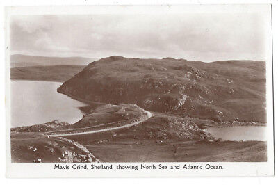 SHETLAND Mavis Grind Showing North Sea & Atlantic Ocean, RP Postcard Unused