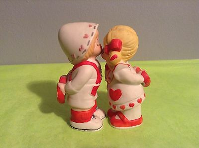 1979 Lucy Rigg Porcelain Red & White Kissing Boy & Girl Figurines