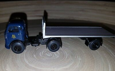 Base 1:76 Scale Plastic/metal Trucks - Blue Hummer Truck With Trailer