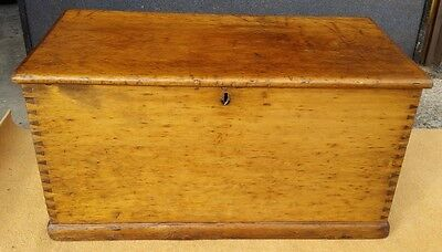 Beautiful large Antique Pine Chest 105 x 55 x 55mm (41.5 x 21.75 x 21.75 inches)