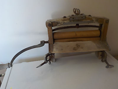 Old Antique Lovell No 32 Wringer Wooden Washing Machine