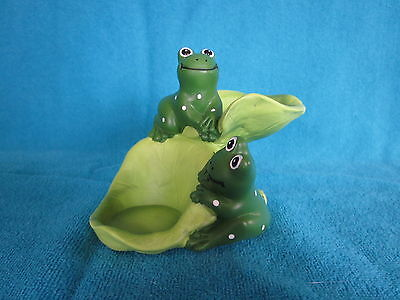 Green Frogs & Lily Pads Figurine