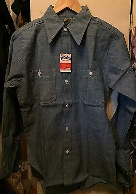 Vintage Washington Dee Cee Chambray Button Up 100% Cotton Work Shirt. Size 14.5
