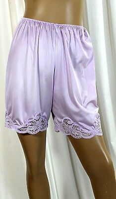Vintage Wondermaid Orchid Silky Tricot Non-Cling Nylon Petti-Slip Size-6/med
