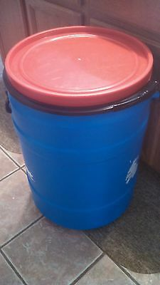 30 Gallon Blue Plastic Drum Stackable Food Grade Barrel With Removable Lid