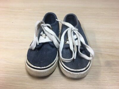Crayons Boys Shoes Size 8