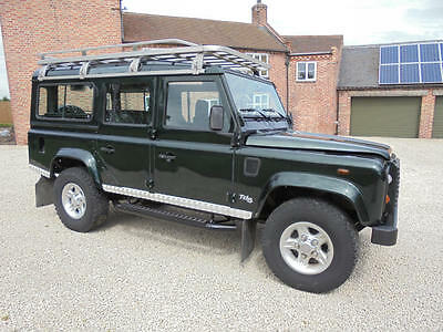 Land Rover: Defender County Station Wagon  2001 110 County station wagon Td5 LHD rare vehicle with factory AC