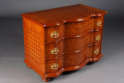 Excellent Curved Dresser in the Baroque Style