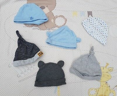 NEW 6 x baby boys hats 0-3 months one size and first size clothes bundle