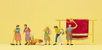 HO Scale People - Housewives