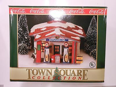 Coca Cola Christmas Town Square House Howard Oil & Gas Service Station NEW 1992