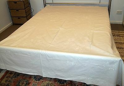 Vintage White Irish Linen Embroidered Bedspread Sheet 250cm x 221cm Floral