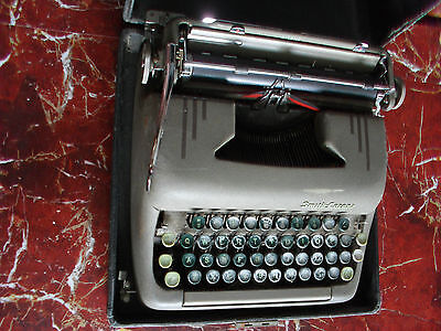 Vintage Smith Corona Silent Manual Typewriter In Case - Collectable 50s