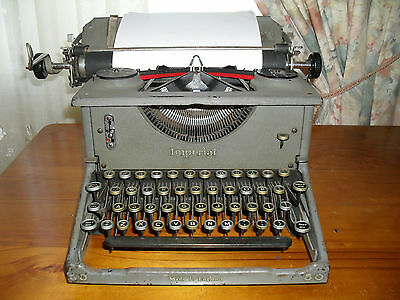 ORIGINAL IMPERIAL - EARLY 50s ANTIQUE TYPEWRITER - MADE IN ENGLAND