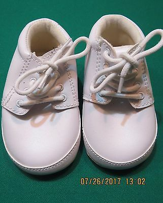 Baby Basic Infant Soft Sole Crib Shoes White 3 4 NEW NWOT Boy Girl