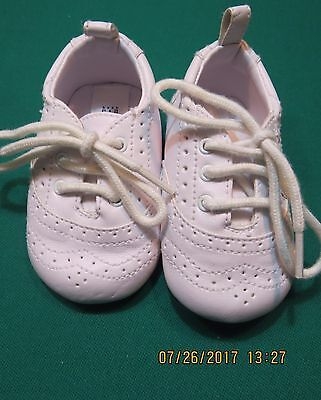 Baby GAP Infant Soft Sole Crib Shoes White 3 6 M Months Boy Girl