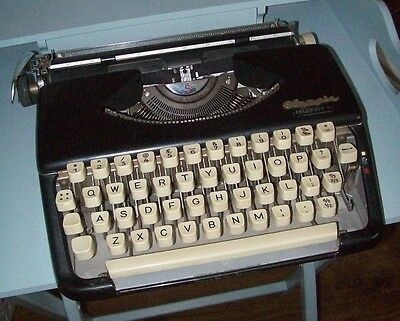 Olympia Splendid 66 typewriter, Western Germany, needs new ribbon, working