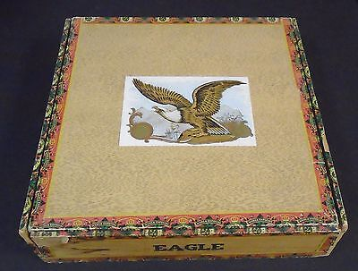 VINTAGE 25c UNPUNCHED PUNCH BOARD in SHAPE OF CIGAR BOX HORSE RACING THEME