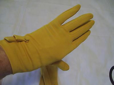 Vtg Stetson Pretty Mustard Yellow Nylon Gloves Sz 6 1/2 Usa Covered Buttons On