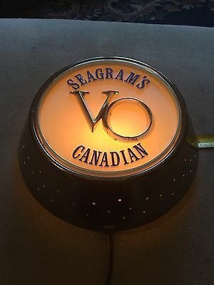 Vintage Seagrams VO Canadian Whiskey Starlight Lamp