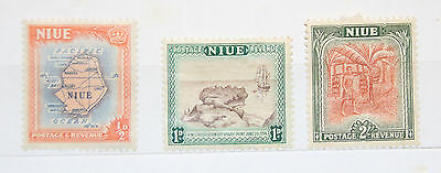 3 NIUE POSTAGE STAMPS 1950 ISLAND LIFE 1/2d 1d 2./- HINGED MINT