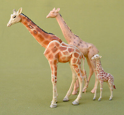 3 GIRAFFES AND BABY - Made in England by Britains