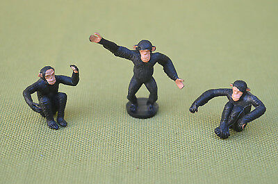 3 CHIMPANZEES (See Evil, Speak of Evil, Hear Evil) - Made in England by Britains