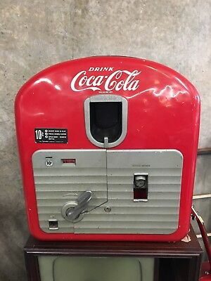 Vendorlator 27 Model 27 Coca Cola Machine Table Model with Key WORKS!
