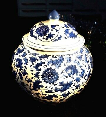 A Beautiful Large Blue And White Ginger Jar