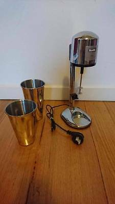 Breville shake creations milkshake maker like new and 2 cups