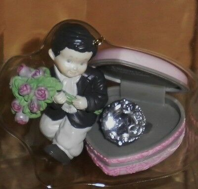 KIM ANDERSON Enesco FIGURINE w box ~ HOW TO WIN A HEART~Ring