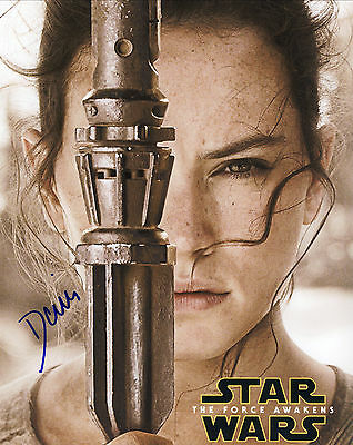 Star Wars - Force Awakens Hand Signed Daisy Ridley Comic-Con 10x8