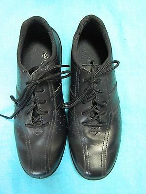 White Ruby Navy Leather Lace Up Shoes Size 6