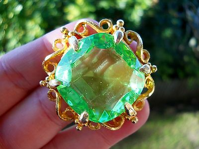 Beautiful Vintage Gold Tone Metal and Green Faceted Glass Centre Brooch
